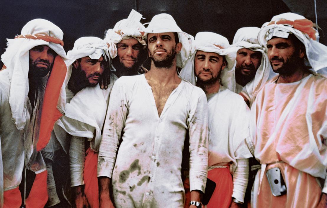 """A Mercury-program hétje. A hét hős, akiket Amerika berepülő pilótáiból kiválasztott a NASA, hogy felvegyék a versenyt a szovjetekkel az űrben. Valamiféle     """"túlélési"""" tréning alatt. Balról jobbra: Gordon Cooper, Scott Carpenter, John Glenn, Alan Shepard, Virgil """"Gus"""" Grissom, Walter Schirra és Donald K. Slayton"""