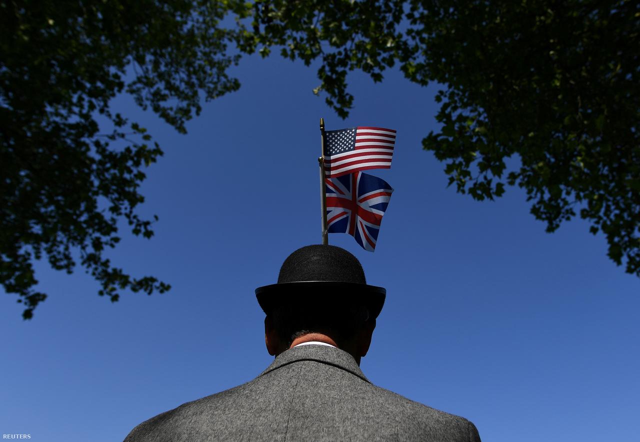Jellegzetes kalap, tweed sportzakó, ennél britebb angol rajongót fotózni sem tudtam volna a tömegben.