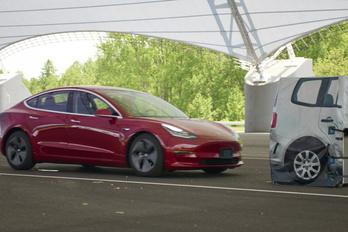 Használt az új szoftver a Tesla féktávjának