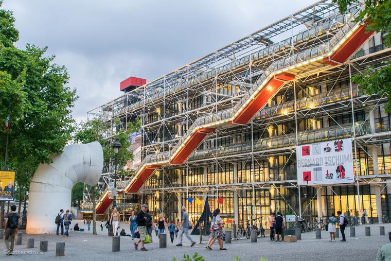A párizsi Pompidou központ Renzo Piano és Richard Rogers munkája