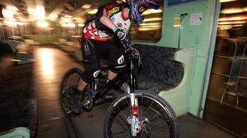 Június 1-től bringával is lehet metrózni