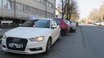 Civil autókkal szívatja a rendőrség a gyorshajtókat