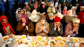 Dán miniszter: aki ramadánt tart, ne dolgozzon másnap!