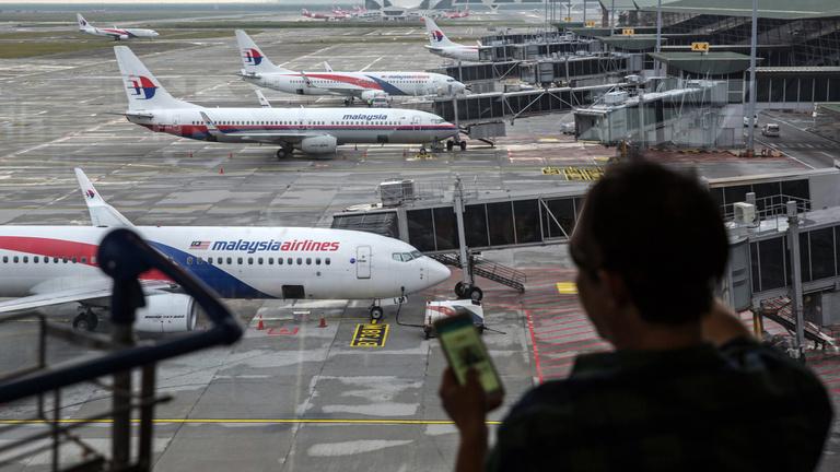 A hatóság szerint nem öngyilkos pilóta okozta a maláj gép tragédiáját
