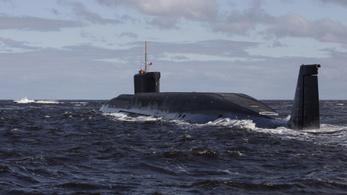 Atom-tengeralattjáróról lődöztek az oroszok