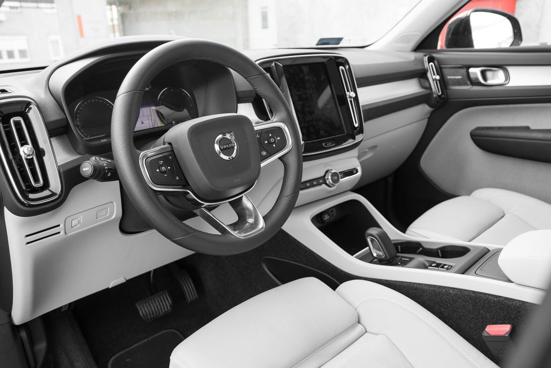 Barátságos a Volvo belseje, de szokni kell az életet a kevés gombbal - sok menüvel