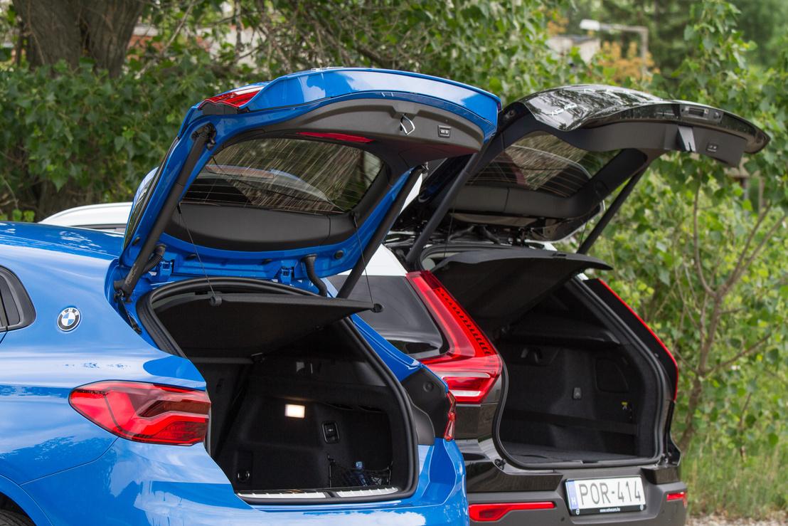 A BMW csomagtartója mélyebb, a nyílás kisebb, szerencsétlenebb kialakítású - hiába tudták 10 literrel nagyobbra megcsinálni, használhatóságban a Volvo jobb