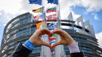 Egyre jobban szeretjük az Európai Uniót