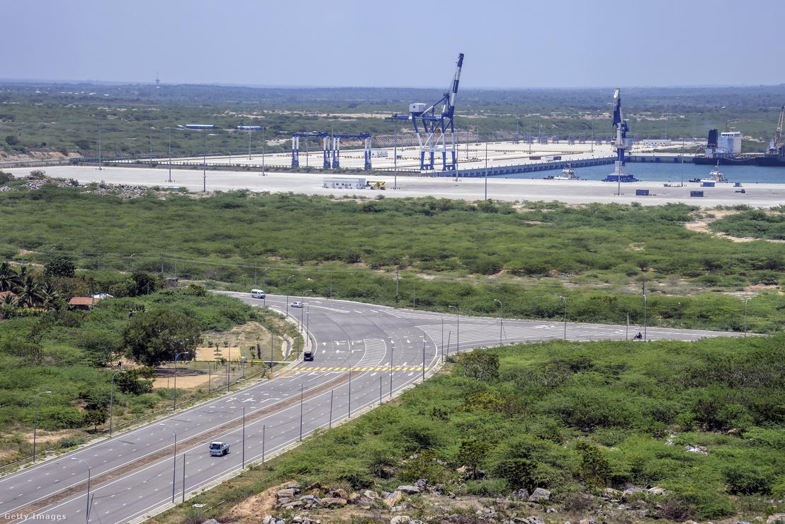 A Hambantota-kikötő látképe.