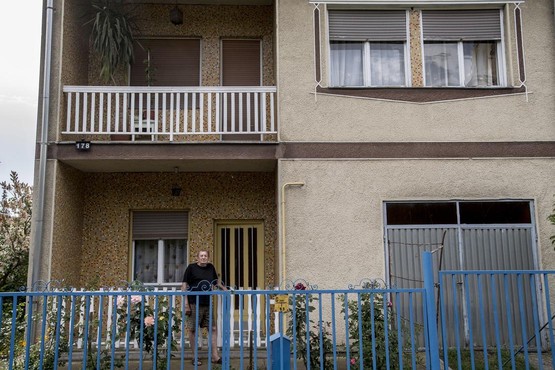 A ház már jó ideje háziasszony nélkül maradt, Feri felesége ugyanis 59 évesen meghalt.