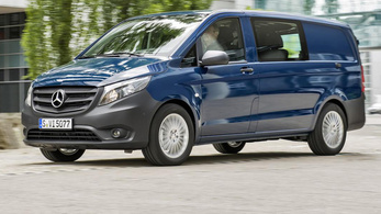Dízel kisbuszokat kell visszahívnia a Daimlernek