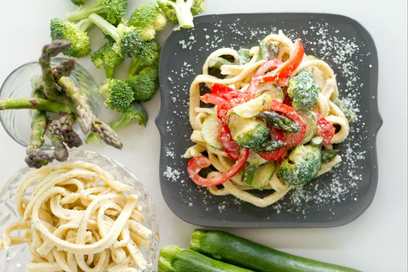Egyedényes, krémes zöldséges tészta - Gyors recept hétköznapokra