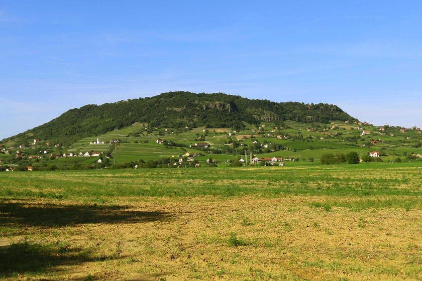 Mit nézz meg a Somló hegy környékén? Nemcsak a borokat érdemes megkóstolni