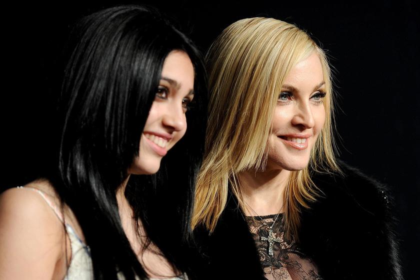 Madonna lányának fotóin szörnyülködnek a netezők - Lourdes olyat villantott, amit más takargatna