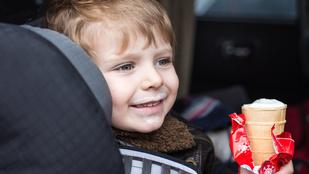 Teszt: mennyire biztonságosak az autós gyerekülések?