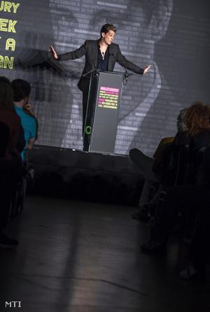 Milo Yiannopoulos brit politikai kommentátor