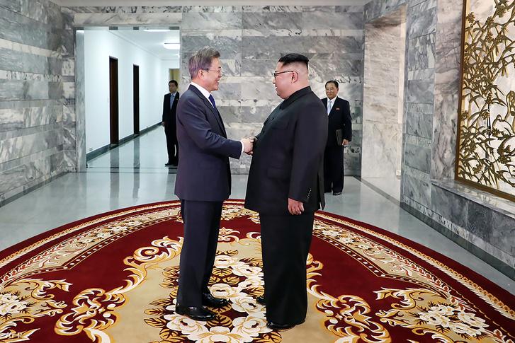 Mun Dzsein és Kim Dzsongun második találkozója Panmindzsonban 2018. május 26-án