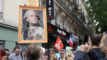 Tízezrek tiltakoznak Macron gazdasági reformja ellen