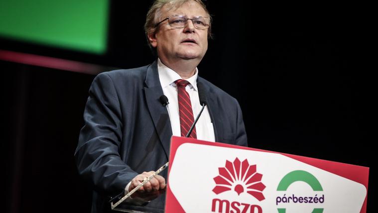 Hiller nem indul újra az MSZP választmányi elnöki posztjáért
