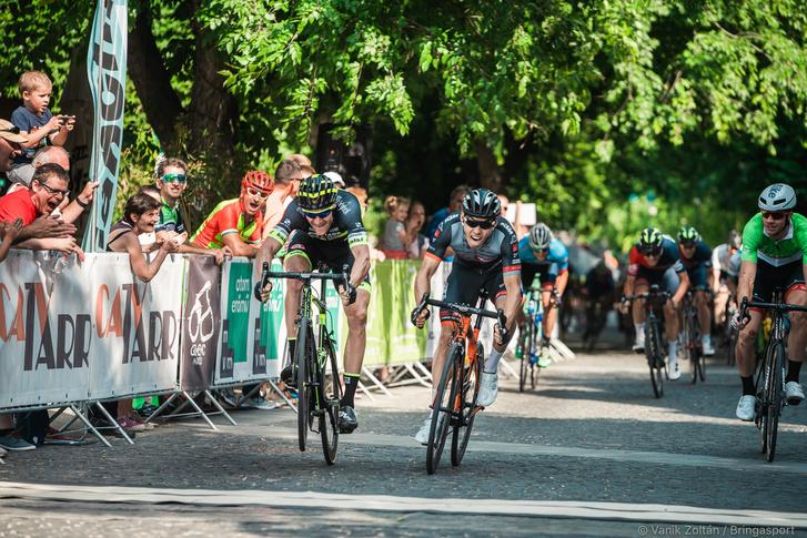 Kankovsky néhány centivel nyerte a második szakasz