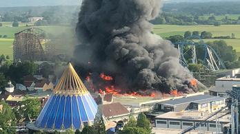 Hatalmas tűz volt a legnagyobb német vidámparkban