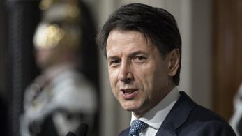 Visszaadta a kormányalakítási megbízást Giuseppe Conte