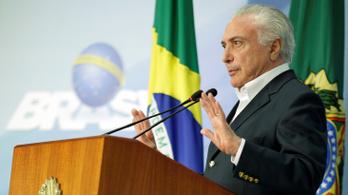 Nem bírta tovább a brazil elnök, engedett a nyomásnak