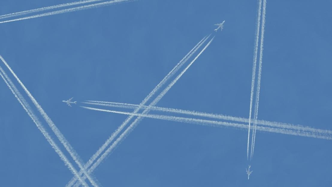 8a53be1385dd A konteók és álhírek lebontják a demokráciát, háborúkat idéznek elő