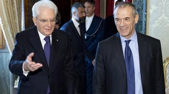 Az olasz államfő szakértői kormány megalapításával bízta meg Cottarellit