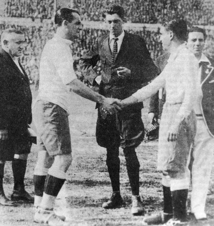 Jose Nazassi és 'Nolo' Fereyra a két csapatkapitány fognak kezet a döntő előtt.