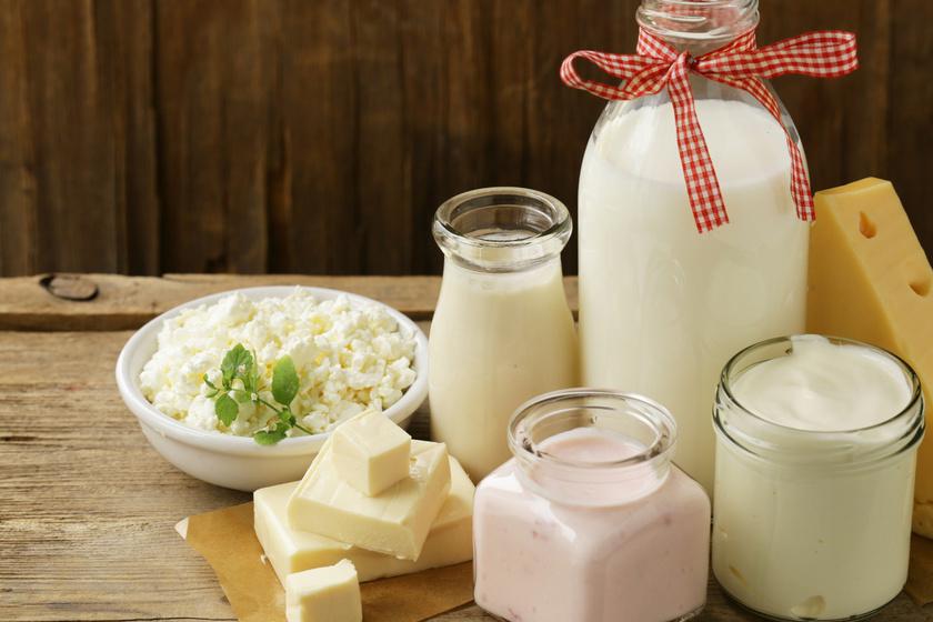 Az állati tejtermékek látványos gondokat okozhatnak a bőrön, mivel a vércukor- és az inzulinszintet is megemelik. Érdemes mértékkel fogyasztani őket, a tejet pedig mandula-, szója- vagy kókusztejjel helyettesíteni.