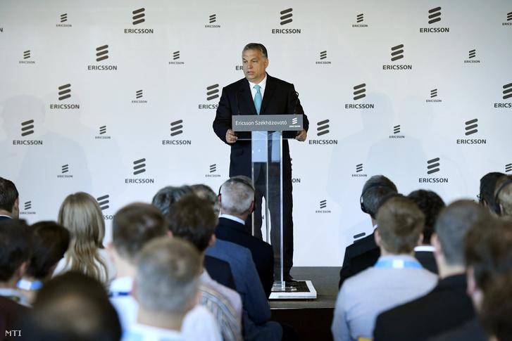 Orbán Viktor miniszterelnök beszédet mond az Ericsson Magyarország újonnan épült budapesti székháza és fejlesztési központja az Ericsson Ház megnyitóünnepségén 2018. május 29-én.