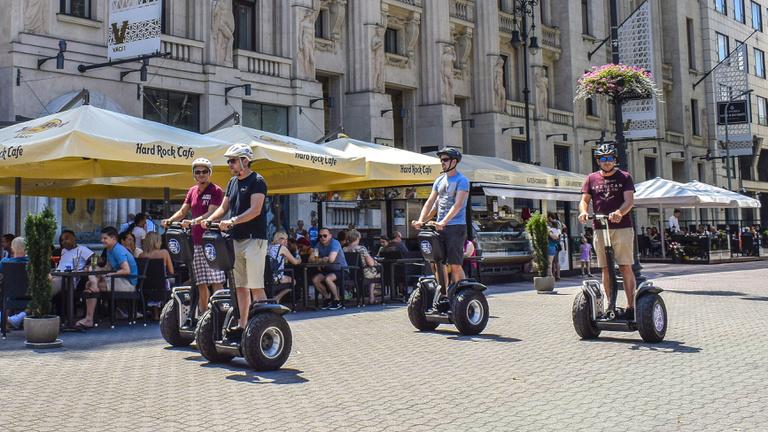 Kitiltották a segwayt és beerbike-ot a belvárosi sétálóutcákból