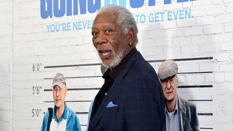 Terhes riporter zaklatásába bukhat bele Morgan Freeman