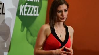 Kirúgták Dúró Dórát a Jobbik-frakcióból, visszaadja a mandátumát