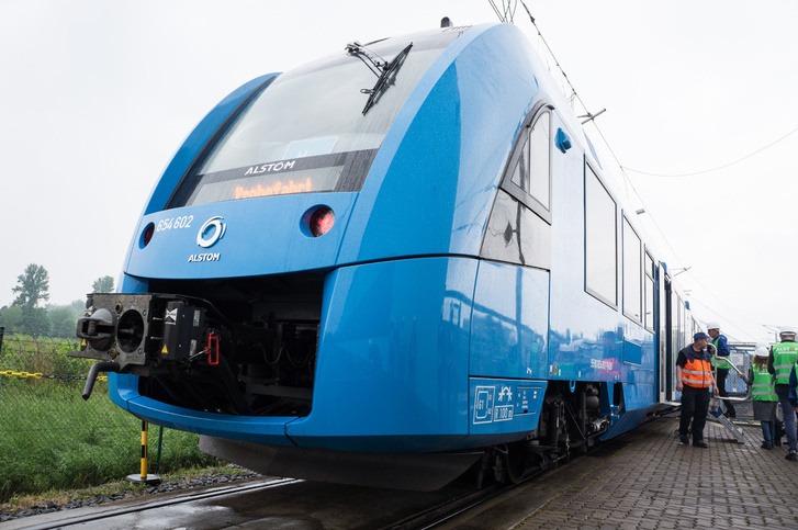 Alstom Coradia iLint: mezei dízelmotorovonat is lehetne, de hidrogén hajtotta üzemanyagcella viszi előre