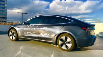 975 kilométert ment a Tesla Model 3 egy feltöltéssel