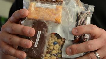 Mit fognak enni a katonák, ha kitör a világháború?