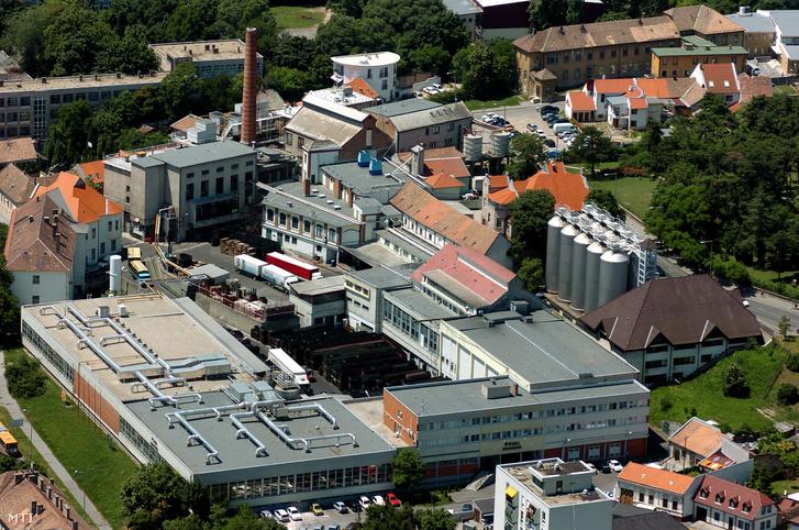 A Pécsi Sörfőzde épületei
