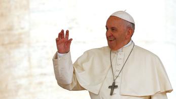 Ferenc pápa a széteső Irakba szeretne látogatni