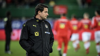 Szabiccsal verhetetlen Ausztria, Lőwre licitál a PSG