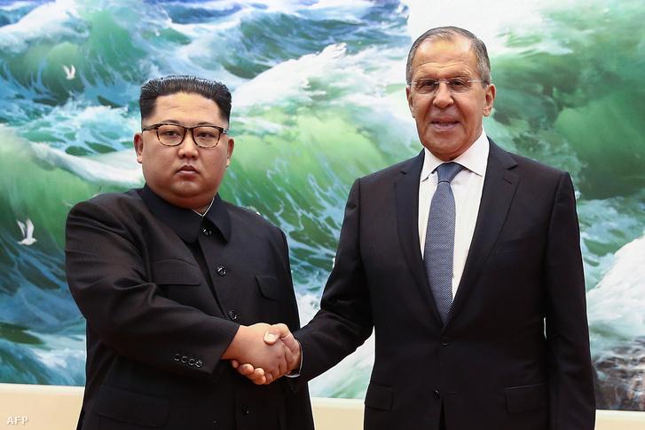 Kim Dzsongun és Szergej Lavrov 2018. május 31-én