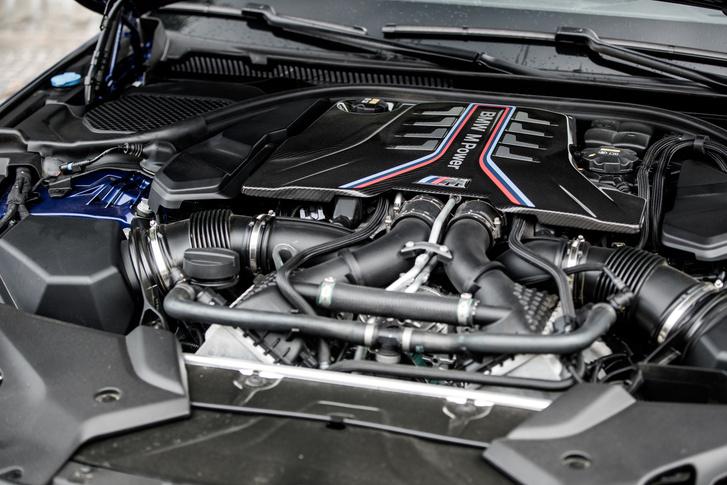 V8, biturbó