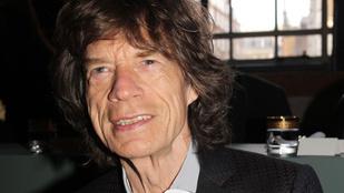 Awwww! Mick Jagger tipikus apuka kommenteket ír a fia fotóihoz