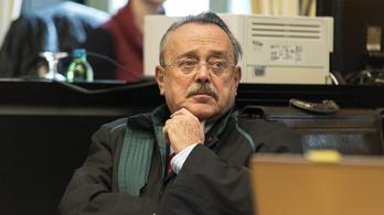 Durván nekiment a Magyar Időknek és egy Soros-ellenes csoportnak a Magyar Ügyvédi Kamara
