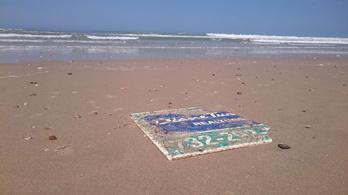 Franciaországig sodort egy hirdetőtáblát a 2012-es Sandy hurrikán