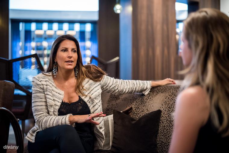 Aztán beszélgettünk egy jót Paola Diana nemzetközi üzletasszonnyal üvegplafonról, egyenjogúságról és persze munkáról