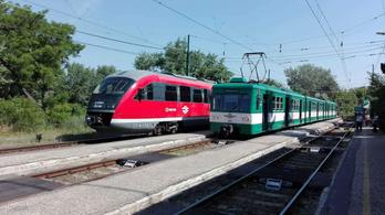 Piros motorvonatok is járnak a HÉV vonalán hétfőtől