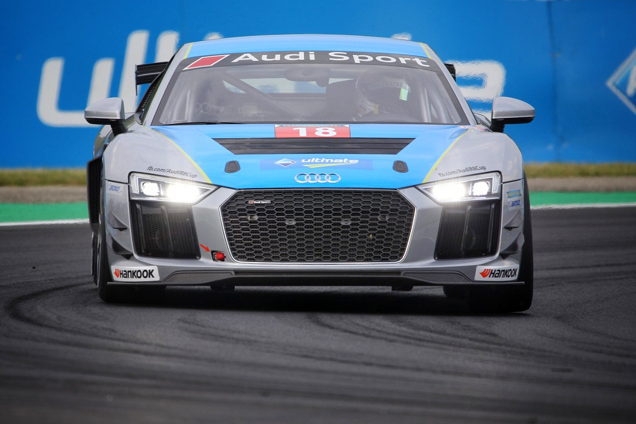 Audi R8 LMS kupa is szerepel a hétvége programjában, magyar érintettséggel, lesz kinek szurkolni holnap is...