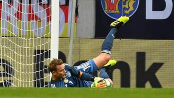 Neuer visszatért, Németország kikapott Ausztriában